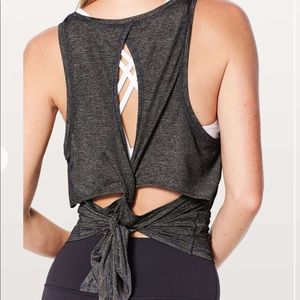 Lululemon Hold and Let Flow Tie Tank, Grey, 4